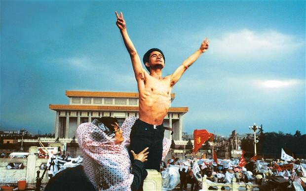Námestie Tiananmen Square. 1989. Foto: Stuart Franklin/  Magnum Photos