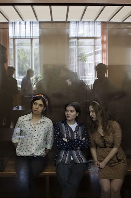 Nadežda Tolokonnikovová, Jekaterina Samucevi?ová a Maria Aljochinová