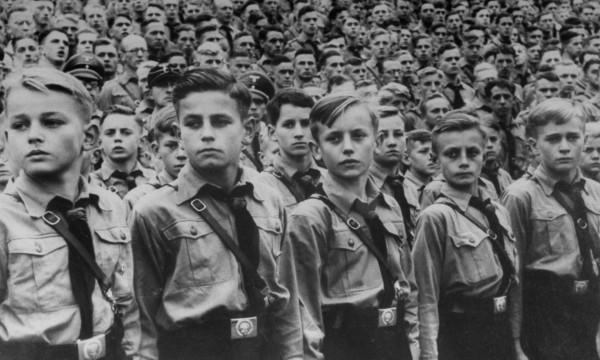 Hitlerovi chalpci v roku 1939. Foto: Heinrich Hoffmann / Time Life Pictures / Getty Images