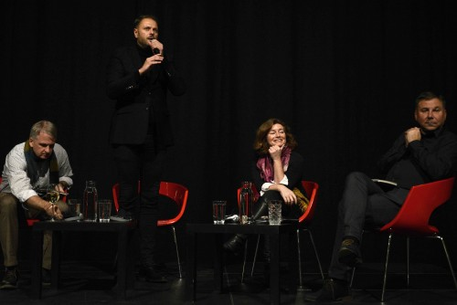 Natalie Nougayrède s Timothy Snyderom, Michalom Havranom a Ivanom Krastevom na Stredoeurópskom fóre. Foto: Peter Župník / Stredoeurópske fórum